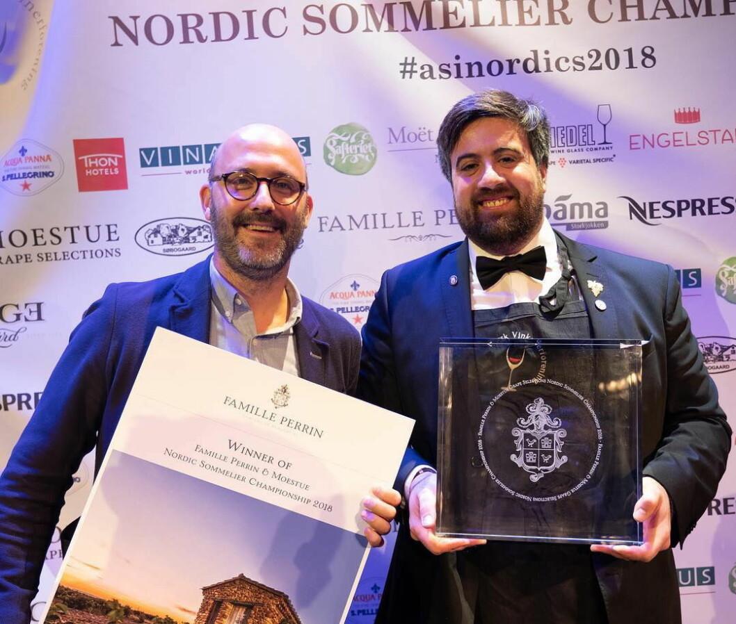 Francesco Marzola (til høyre), som til daglig arbeider på Park Hotel Vossevangen, har vunnet Nordisk Vinkelnermesterskap 2018. (Foto: Kristian Jøraandstad/Norsk Vinkelnerforening)