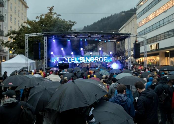 3000 møtte opp da Hotel Norge i Bergen ble offisielt reåpnet. (Foto: Scandic Hotels)