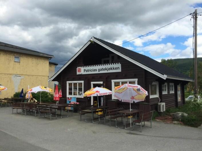 Patricias gatekjøkken ligger i Bardu, like ved E6. (Foto: Morten Holt)