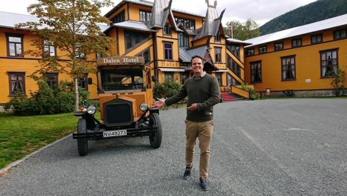 David Sandem (bildet) er nytt vertskap på Dalen Hotel sammen medAlita Dagmar Kristensen. (Foto: Dalen Hotel)