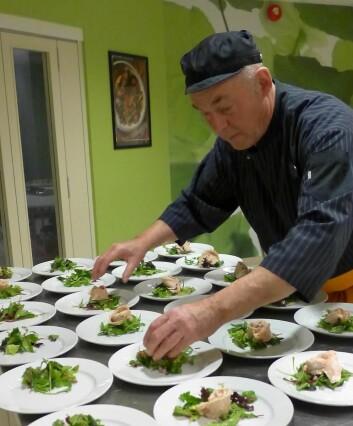 Forretten tilberedes av kokk Didier Philippeau. (Foto: Montebellosenteret)