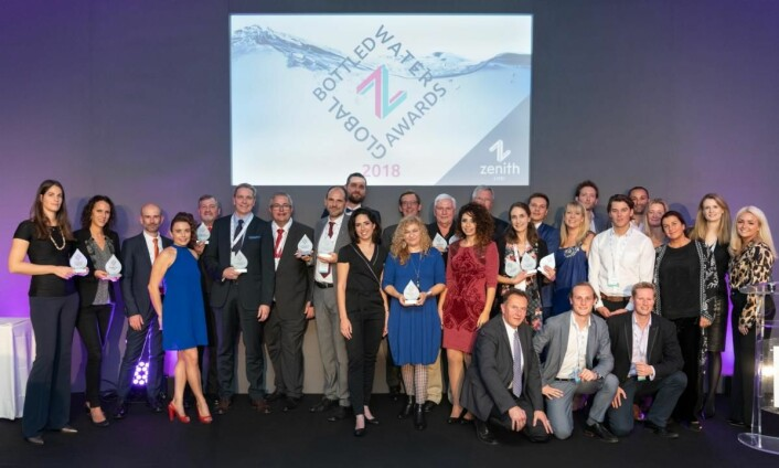 Alle vinnerne samlet. (Foto: Zenith Global Bottled Water Awards 2018)