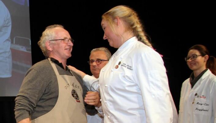 Norsk seier! Vinner Jørn Hafslund sammen med de to norske dommerne i den avgjørende finalen, Siri Helen Hansen-Barry og May-Liss R. Heggland (helt til høyre). (Foto: Morten Holt)