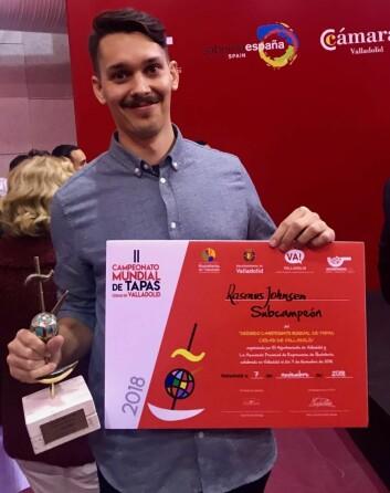 Rasmus Johnsen Skoglund med sølv i VM i tapas i Spania. (Foto: Privat)