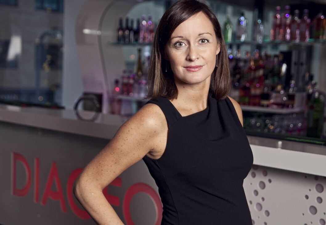 Camilla Evang i Diageo Norge gir deg tipsene for et hyggelig julebord - med alkohol. (Foto: Diageo Norge)