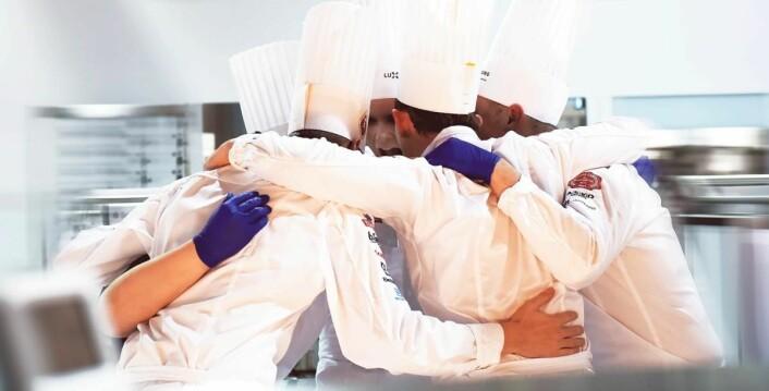 Junior-pepp før konkurransen i VM i kokkekunst i Luxembourg. (Foto: Eirik Nilssen/Matbyrået Impuls)