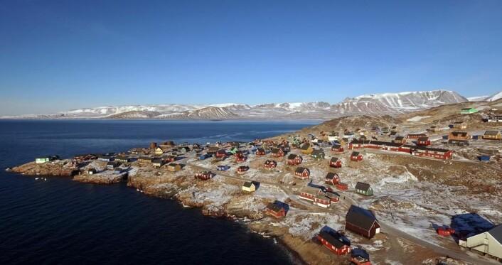 Hotellet ligger i den vesle landsbyenIttoqqortoormiit på Øst-Grønland. (Foto: Hotels.com)