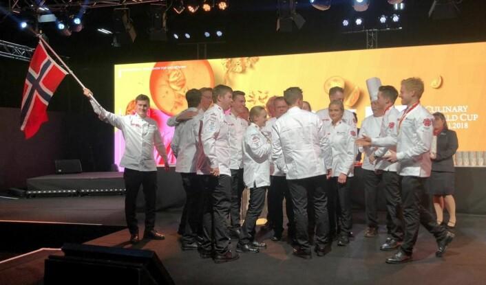 Deltakerne på det norske kokkelandslaget kunne slippe jubelen løs etter nok et VM-gull i Luxembourg. (Foto: Eirik Nilssen/Matbyrået Impuls)