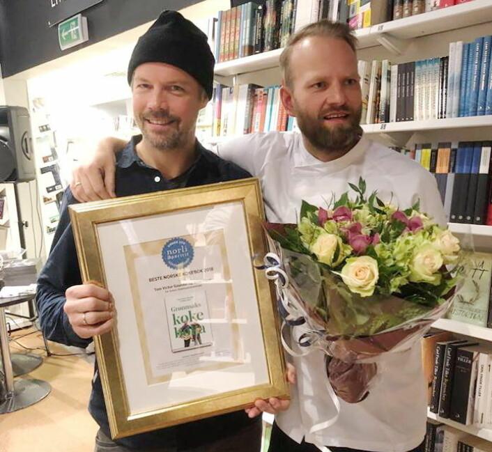 Stian Floer og Tom Victor Gausdal er vinnerne av«Årets kokebok» i 2018. (Foto: Frode Kristensen, Salgslaget)