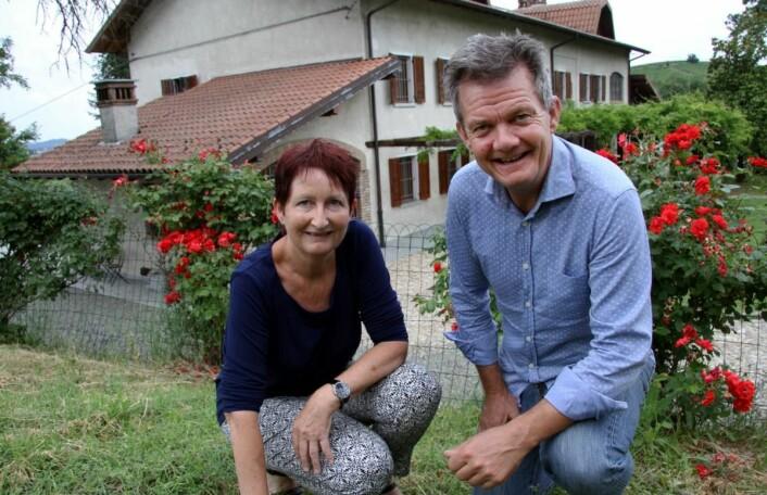 Gunvor S. Lie og Joar Monstad er vertskap på idylliske Villa Bella Piemonte. (Foto: Morten Holt)
