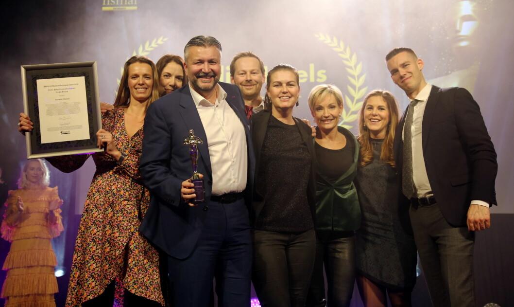 Prisdryss for Scandic Hotels på HSMAI Awards. (Foto: Camilla Bergan)
