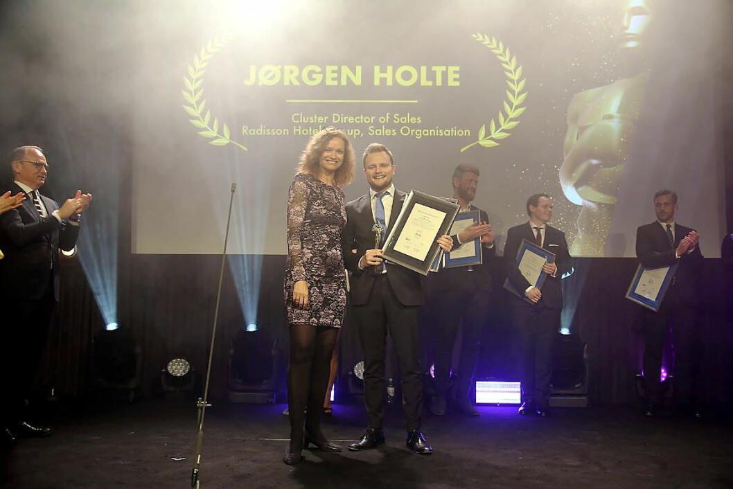 Jørgen Holte fra Radisson Hotel Group er kåret til «Årets unge leder i reisebransjen» 2018. (Foto: Camilla Bergan)