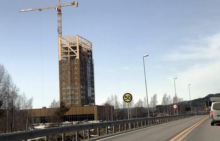 Fra byggingen av Mjøstårnet. Bildet ble tatt i april 2018. (Foto: Morten Holt)