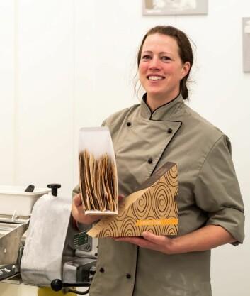 Henny Kildahl fra Nosim er en av tre i styret for Smak av Innlandet SA. (Foto: Eirik Jeistad)
