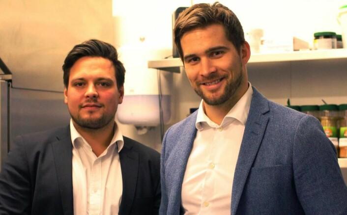 Mathias Paul, kandidatansvarlig Toptemp Hospitality, avdeling kjøkken (til venstre) sammen med kundeansvarlig hos Toptemp Hospitality, Øystein Hetland. (Foto: Toptemp Hospitality)