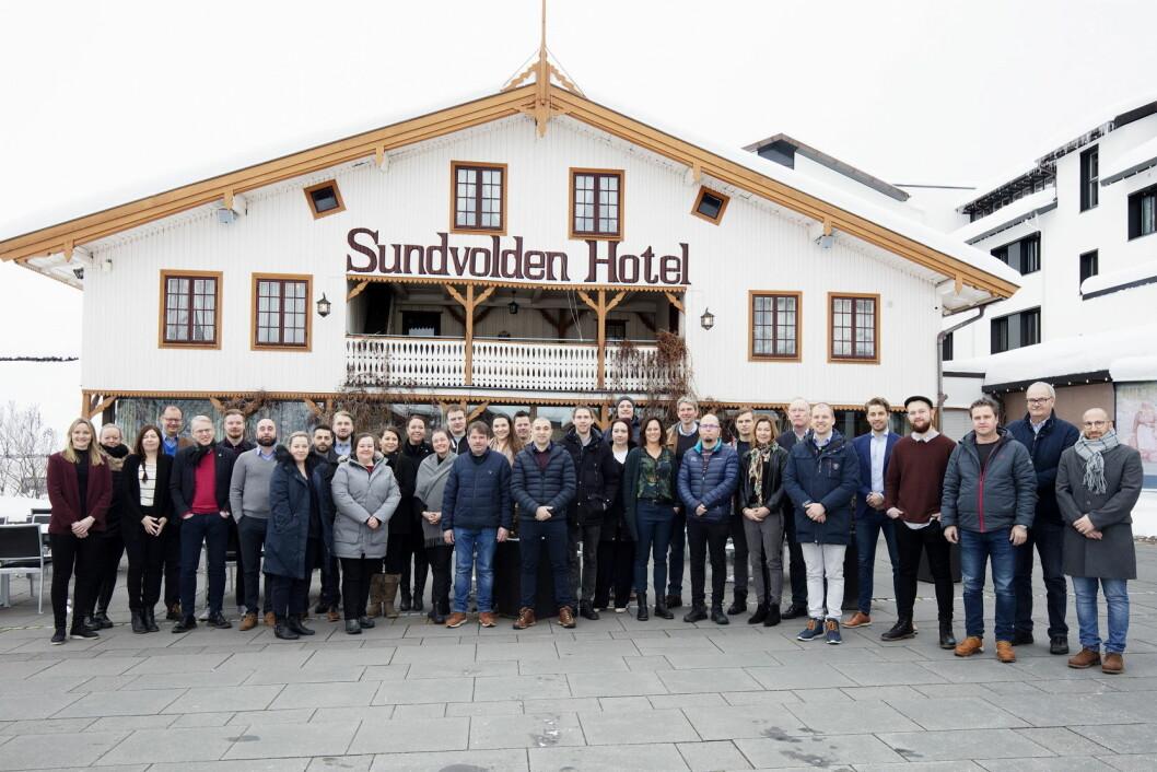 Medlemmer i De Historiske og representanter fra Nores, Matvett, Miljøfyrtårn og Verdimat på matsvinn og bærekraftseminar på Sundvolden Hotel. (Foto: Stine Østby)