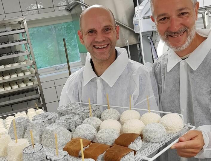 Bo Jensen sammen med Antoine Farge, som denne våren skal selge Jensens ost i Paris. (Foto: Privat)