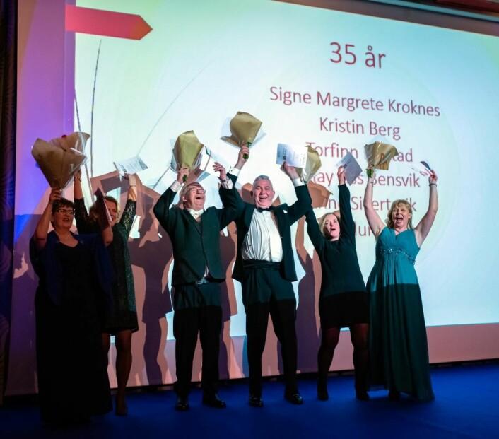 Disse seks har vært med på Royal Garden-laget i 35 år! Fra venstre Anne Sivertsvik, May Liss Bensvik, Kjell Klungerbo, Torfinn Lerstad, Signe M. Kroknes og Kristin Berg. (Foto: Jørgen Riiber)