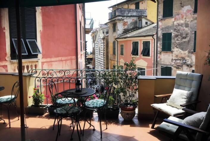 Fra den sjarmerende balkongen hosL'Antica Terrazza. (Foto: Morten Holt)