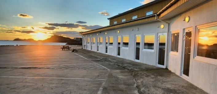 Scandic Vestfjord Lofoten ligger ytterst på kaia i Lofoten. (Foto: Scandic Hotels)