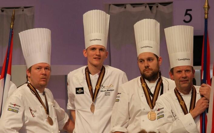 Håvard Werkland (nummer to fra venstre) har vært commis i to Bocuse d'Or-konkurranser. Nå skal han kjempe om å bli hovedkokk selv. (Foto: Morten Holt)