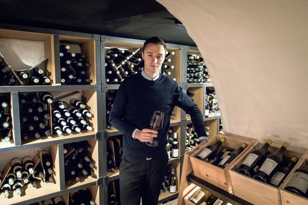 Ole Strangstadstuen Berg er ny vinsjef i Vinkjelleren på Grand Café. (Foto: Fursetgruppen)
