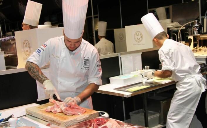 Christian A. Pettersen har deltatt i 24 kokkenkonkurranser. Han har fortsatt til gode å havne utenfor pallen! Her fra Årets kokk i 2017. (Foto: Morten Holt)