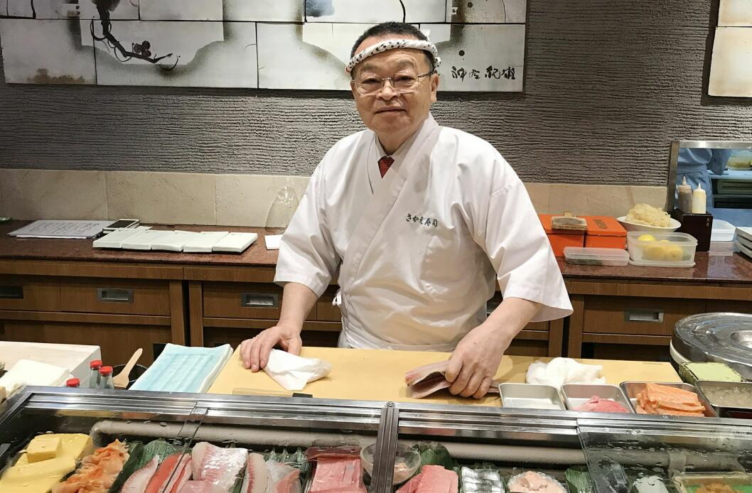 Norsk laks har blitt favoritt-toppingen for mange japanske sushi- toppkokker – med Masayoshi Kazato i spissen. (Foto: Christina Neumann/Norges sjømatråd)