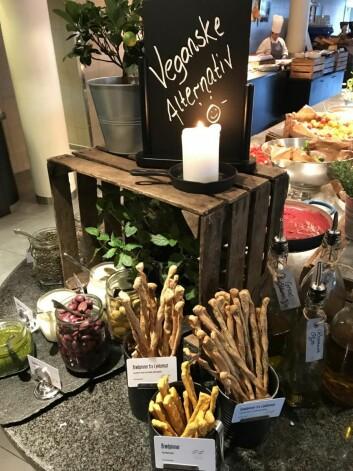 Vegansk frokoststasjon på Scandic Nidelven. (Foto: Scandic Hotels)