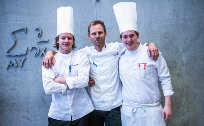 Statholdergaardens vinnerlærlinger sammen med læremester og lagleder Torbjørn Forster (midten). (Foto: Arkiv)