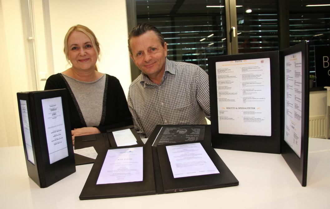 Laila Prestegård og Dag Oskar Kristoffersen med de lysende menyene – som nå lanseres i det norske horecamarkedet. (Foto: Morten Holt)