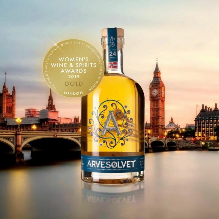 Gull tilArvesølvet fatlagret akevitt i«Womens Wine & Spirits Award».