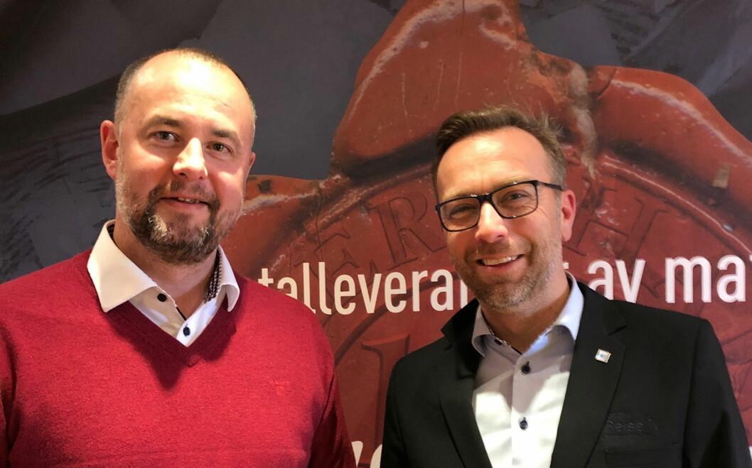 Torbjørn Møllerop fra Carl Evensen og Stian Eide fra NHO Reiseliv Innkjøpskjeden. (Foto: NHO Reiseliv Innkjøpskjeden)