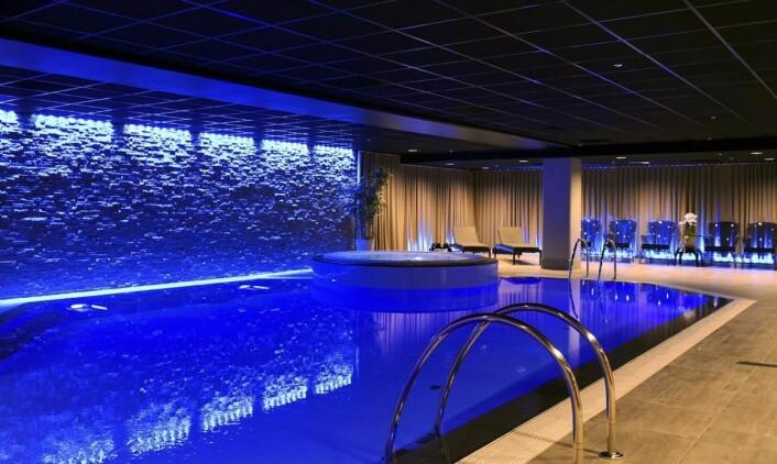 Hotellet har eget spa og basseng. (Foto: Hotellet)