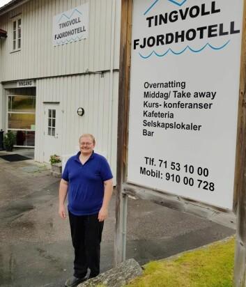 Reidar Eikeland Holmefjord (34) er ansatt som ny kjøkkensjef på Tingvoll Fjordhotell. (Foto: Tingvoll Fjordhotell)