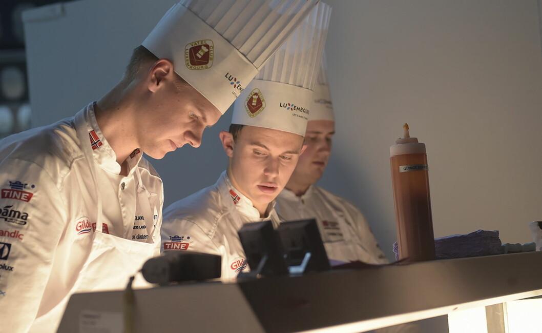 Aleksander Løkkeberg Vartdal (nærmest) og Aron Espeland er to av dem som får støtte fra Eureca-fondet. (Foto: Eirik Nilssen)