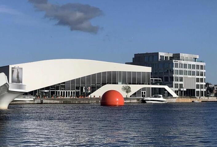 Mandal Hotel og kulturhuset Buen. (Foto: Heidi Fjelland)