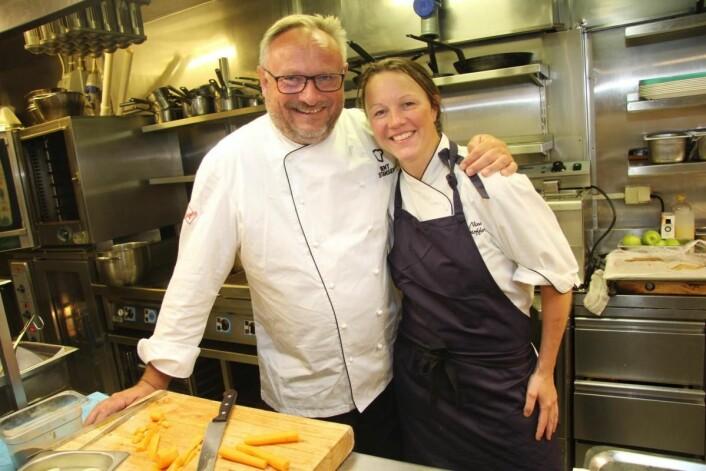 Nina Kristoffersen er kjøkkensjef i Statholderens Mat- & Vinkjeller. Hun har 15 år bak seg i restaurantkonsernet. – Hun er vår helt kreative kraft, og slutter aldri å overraske, sier Bent Stiansen. (Foto: Morten Holt)