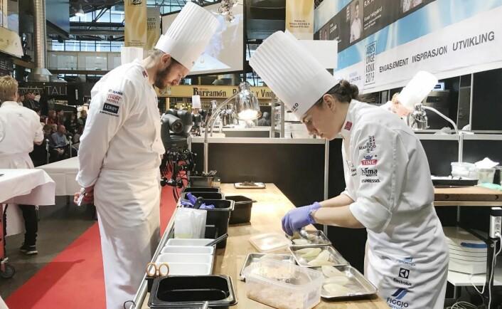 """Celine Ekholt konkurrerer nærmest på """"hjemmebane"""". Hun arbeider på Michelin-restauranten Kontrast i Mathallen, og der coach Michael Svensson er kjøkkensjef."""