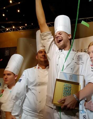 Aleksander Løkkeberg Vartdal ble den aller første vinneren av Årets unge kokk. (Foto: Heidi Fjelland)
