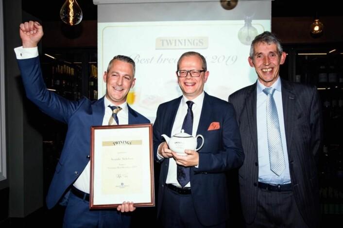 Food & Beverage-manager på Scandic Nidelven, Espen Teigseth, hotelldirektør på Scandic Nidelven, Kjetil Vassdal og Stephen Twining. (Foto: Haugen-Gruppen)