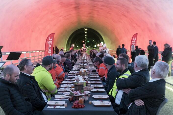 Scandics prisbelønnede frokost ble serverte nederst i Ryfast-tunnelen. (Foto: Scandic Hotels)