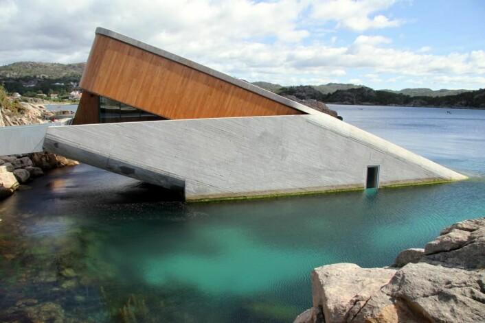 Restaurant Under er en av 19 nominerte til Norsk Lyspris 2019. (Foto: Morten Holt)