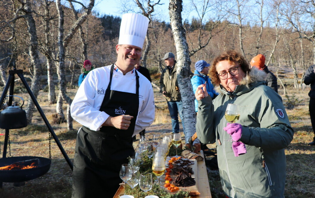Svein Jæger Hansen og landbruks- og matminister Olaug Bollestad. (Foto: Landbruks- og matdepartementet):