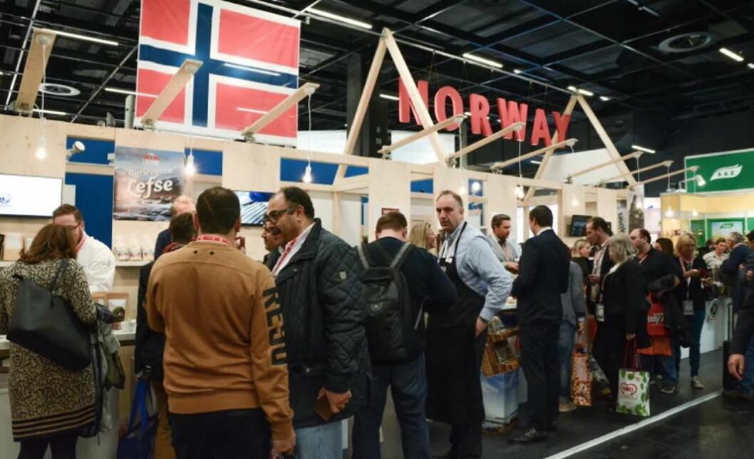 Besøkende ved den norske fellespaviljongen i Fine Food-hallen i 2019. (Foto: Norsk-Tysk Handelskammer)