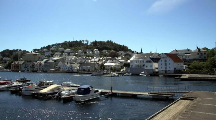Farsund. Rederiet Hotell helt til høyre i bildet. (Foto: Morten Holt)