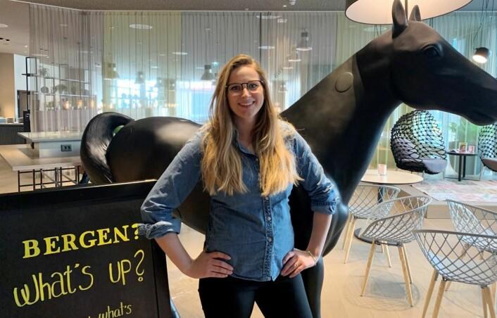 Resepsjonssjef Thea Emilie Giske har blitt biehotell-direktør. (Foto: Comfort Hotel Bergen Airport)