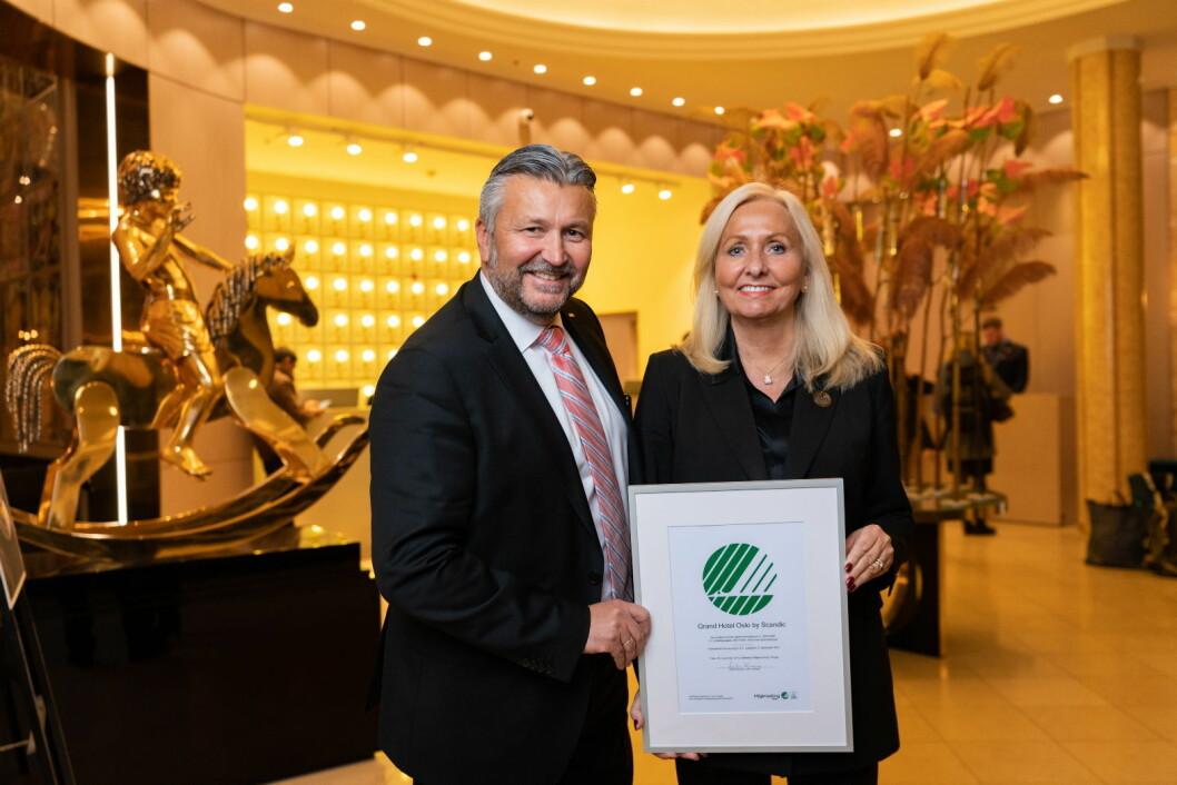 Administrerende direktør for Scandic Hotels Norge, Svein Arild Steen-Mevold og hotelldirektør på Grand Hotel Oslo by Scandic, Toril Flåskjer. (Foto: Kyle Meyr)