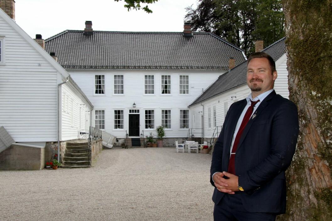 Hovmester og daglig leder på Boen Gård, Dagfinn Galdal, melder om at utbyggingen av antall overnattingsplasser er i gang. (Foto: Morten Holt)