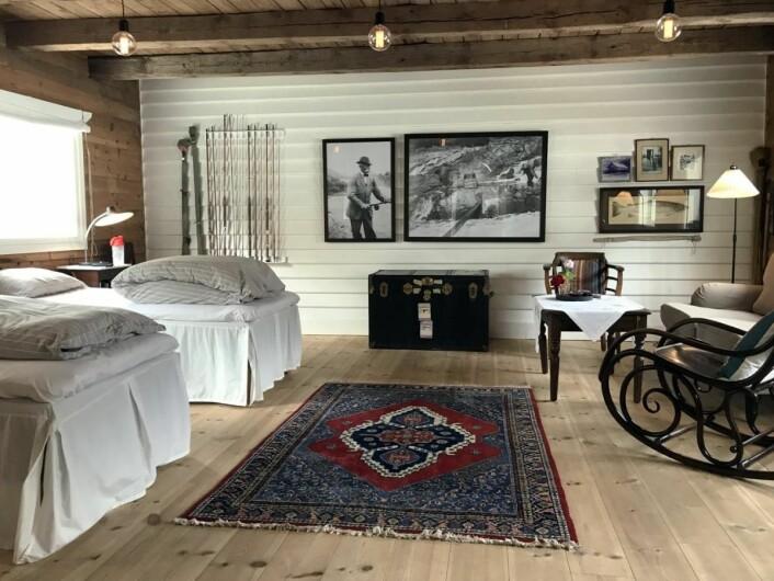 Fr a ett av rommene på Boen Gård i dag. Fra 1. juni 2020 blir det vesentlig flere overnattingsplasser på den ærverdige gården. (Foto: Morten Holt)